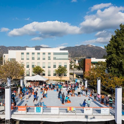ice-america-the-rink-in-downtown-burbank-outdoor-family-ice-skating-fun-activity
