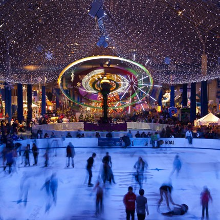 ice-america-winterfest-navy-pier-family-ice-skating